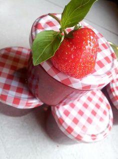 Erdbeer-Basilikum-Marmelade. sehr schmackhaft!! 5/5 stars