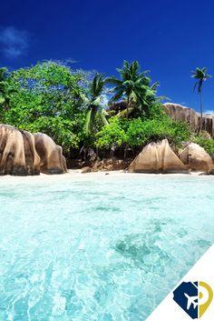 Las Seychelles son mucho más que un destino de playa para recién casados. Las 115 islas de este archipiélago del Índico seducen con sus selvas de tupida vegetación y cascadas, fauna endémica, arenales blancos con bloques graníticos que parecen dispuestos por gigantes, y un fondo submarino rico en corales.