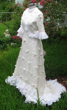 Wedding Dress Handmade 1970's Floral Daisys by TheIDconnection, $300.00