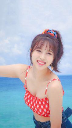 Most Beautiful Girls Nayeon, Twice Debut, South Korean Girls, Korean Girl Groups, Warner Music, Rapper, Chaeyoung Twice, Myoui Mina, Twice Kpop