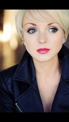 The lovely Helen George (Call the Midwife)