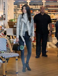 Kendall Jenner Photos - Kendall Jenner and Kris Jenner Film at Williams-Sonoma - Zimbio