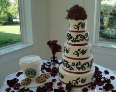 Damask Wedding Cake With Starbucks Grooms By Creative Cakes