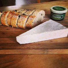 Tracklements Gooseberry Cheese #Tracklements #Fruit #Cheese #Gooseberry #Bread #Cheeseboard #Brie