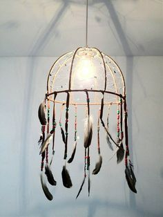 DIY Dreamcatcher Lamp | DIY dreammcatcher | Ideas & Inspiration, see more at http://diyready.com/diy-dreamcatcher-ideas-instructions-inspiration