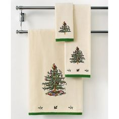 "Spode Bath Towels, Christmas Tree 27"" x 50"" Bath Towel (57 NZD) ❤ liked on Polyvore featuring home, bed & bath, bath, bath towels, ivory, spode, ivory bath towels and embroidered bath towels"