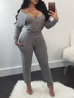 【IVROSE Black Friday Big sitewide+ Extra off! Off Shoulder Long Sleeve Casual Pantsuit Sporty Outfits, Chic Outfits, Fashion Outfits, Curvy Girl Fashion, Look Fashion, Femmes Les Plus Sexy, Pantsuits For Women, Latest African Fashion Dresses, Womens Fashion Online