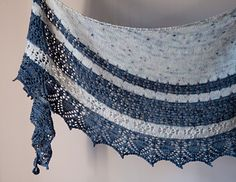 Speckle Tonic A relatively simple lace shawl that makes use of one skein of speckle yarn and a semi-solid,