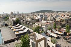 Le soleil est toujours présent sur le sublime rooftop de l'hôtel NH Collection Barcelona Gran Hotel Calderón. #nhcollection #hotel #hoteldesign #barcelona #barcelone #rooftop #niceview #view #trendyplace #feeltheextraordinary