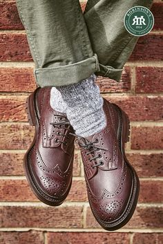Tricker's Ilkley is a heavy brogue Derby shoe with a sturdy Commando stitched rubber sole. Stylish, rugged and ready for whatever winter brings. Shop online. #trickersshoes #countryshoes #stormwelt #robinsonsshoes #trickersilkley
