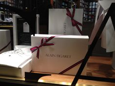 Vitrines de Noël #Christmas #gift #giftwrap
