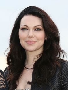 Laura Prepon  #OrangeIsTheNewBlack her complexion with dark hair is so beyond perfect