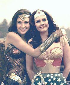 Gal Gadot & Linda Carter - Wonder Woman - then and now - Wonder Woman Kunst, Wonder Woman Art, Gal Gadot Wonder Woman, Wonder Woman Comic, Superman Wonder Woman, Wonder Women, Wonder Woman Pictures, Wonder Woman Quotes, Wonder Woman Cosplay