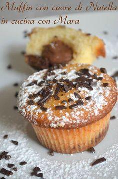 I muffin con cuore di Nutella sono dei dolcetti che racchiudono un goloso cuore di Nutella ideali per la colazione o per la merenda. Baking Cupcakes, Cupcake Cakes, Biscotti, Delicious Desserts, Yummy Food, Italian Desserts, Something Sweet, Muffin Recipes, Cake Cookies