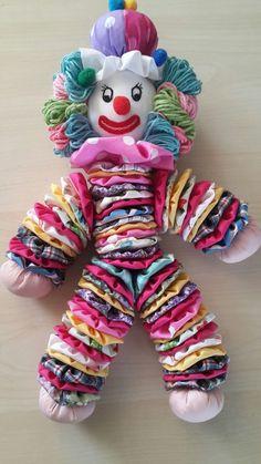 Sewing Art Sewing Toys Diy Crafts To Sell Handmade Crafts Sewing Projects Sewing Crafts Yo Yo Quilt Imagination Toys Atelier Creation Denim Flowers, Cloth Flowers, Fabric Flowers, Sewing Toys, Sewing Crafts, Sewing Projects, Doll Patterns, Crochet Patterns, Yo Yo Quilt