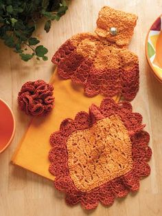 Towel Toppers, Dishcloths & Scrubbies Crochet Towel Topper, Crochet Kitchen, Crocheting, Needlework, Kitchen Ideas, Crochet Necklace, Projects To Try, Crochet Patterns, Sewing
