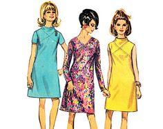 1960s Dress Pattern McCalls 9501 Bell Sleeve di NeenerbeenerKnits