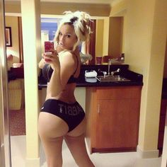 sexy white girls with big butts