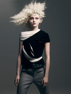 Sasha Pivovarova by Craig McDean for Vogue Paris 2008 Sasha Pivovarova, Love Fashion, High Fashion, Fashion Beauty, Fashion Design, Fashion Basics, Womens Fashion, Haute Couture Style, Editorial Hair