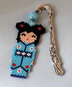 idée cadeau,ce super marque page kokeshi en perle tissée : Autres accessoires par la-bijouterie-de-dalila