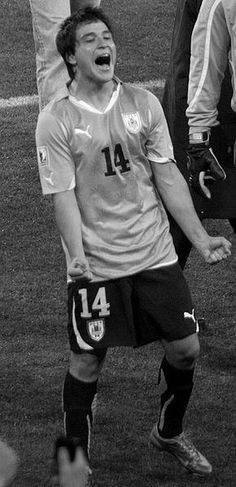 primal scream? - Nicolás Lodeiro, Uruguay NT World Cup 2010