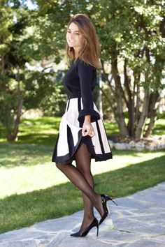 Pantyhose Outfits, Nylons And Pantyhose, Classy Outfits, Stylish Outfits, Cute Outfits, Elegantes Outfit Frau, Celebrities In Stockings, Sexy Legs And Heels, Black Sequin Dress
