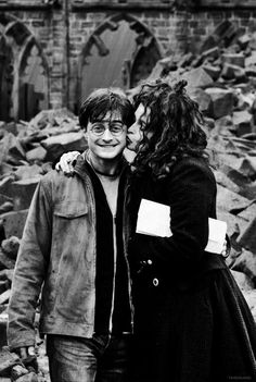Daniel Radcliffe and Helena Bonham Carter being incredibly lovely on the sets of Harry Potter and the Deathly Hallows Part II