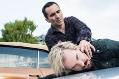 The Escape Artist - Pic Sn 2 Ep 4 Bates Motel on A&E /. Sheriff Romero (Nestor Carbonell) knows exactly who set fire to his house. He tracks down Zane (Michael Eklund) and makes his feelings on the subject crystal clear. Tv Series 2013, Best Series, Bates Motel Season 2, Max Theriot, Photo Escape, Norma Bates, Vera Farmiga, Romance, Hero Movie