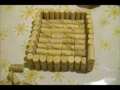 How to make a napkin holder with wine corks