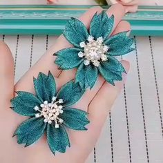 How to make a beautiful brooch flower . Diy Lace Ribbon Flowers, Ribbon Flower Tutorial, Ribbon Embroidery Tutorial, Flower Embroidery Designs, Cloth Flowers, Diy Ribbon, Paper Flowers Diy, Ribbon Crafts, Handmade Flowers