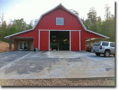 Gambrel barn- yes! Would the lean-tos need tweaking? Gambrel barn- yes! Would the lean-tos need tweaking? Plan Garage, Garage Floor Plans, Barn House Plans, Barn Plans, Garage Ideas, Gambrel Barn, Gambrel Roof, Metal Barn Kits, Barn With Living Quarters