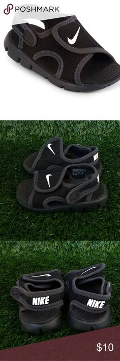 Nike Sunray Adjustable Baby Boys Sandals 5 Size 5 Baby Shoe Size These are the perfect pair for beach visits and pool-side play time, these Sunray sandals by Nike offer a quick-drying feature and a synthetic upper for breathable comfort. Complete with a lightweight Phylon foam midsole, these sandals are ideal for sun-drenched days with family and friends. Very excellent condition. Totally adorable Nike Shoes Sandals & Flip Flops