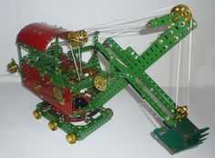 Meccano model from 1925 of a Staem Shovel powered by a Meccano electric motor Chain Drive, Belt Drive, Bevel Gear, Young Lad, Hobby Toys, Steam Engine, Childhood Toys