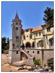 Palácio dos Condes de Castro Guimarães - Portugal