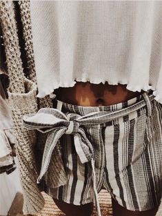 romantic date outfit Mode Outfits, Trendy Outfits, Fashion Outfits, Womens Fashion, Spring Summer Fashion, Spring Outfits, Spring Hair, Outfit Goals, A Boutique