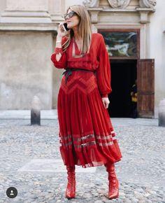Italy Fashion, Boho Fashion, Fashion Looks, Street Fashion, Anna Dello Russo, Model Street Style, Milan Fashion Weeks, Fendi, Long Skirts