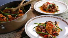 Cacciatore-Style Boneless Chicken One-Pot with Green Beans Recipe | Rachael Ray Show