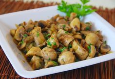 """IL LABORATORIO DI MM_SKG: ΤΗΓΑΝΙΑ ΜΑΝΙΤΑΡΙΩΝ """"ΤΡΙΦΟΛΆΤΙ""""  ♦♦  FUNGHI TRIFOLA... Greek Beauty, Kung Pao Chicken, Sweet Home, Master Chef, Ethnic Recipes, Food, Lab, House Beautiful, Meals"""
