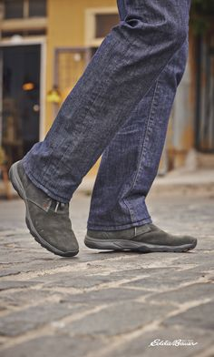The most comfortable pair of jeans you'll ever own. Because of one simple factor—flex.
