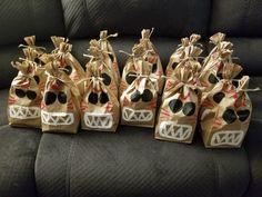 Kakamora Tribe from Moana. Moana Theme Birthday, Moana Themed Party, Party Gift Bags, Party Gifts, 4th Birthday Parties, 2nd Birthday, Birthday Ideas, Moana Party Bags, Moana Crafts