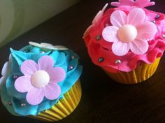 70 Affectionate Mother's Day Cupcake Ideas