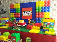 We work with children's party decorations - New Deko Sites Lego Themed Party, Lego Birthday Party, Boy Birthday Parties, 5th Birthday, Lego Parties, Lego Batman Party, Ninjago Party, Lego Ninjago, Lego Balloons