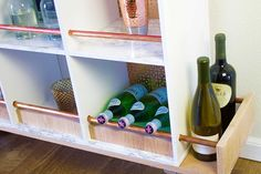 Hosting a party this Holiday season? A bar on the list of must-haves. Put your DIY skills to the test and learn how to make a rolling bar cart with Fiskars!