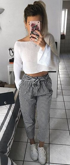 Perfect Winter Outfits To Stand Out From The Crowd - Clothes - Modetrends Mode Outfits, Fashion Outfits, Womens Fashion, Fashion Trends, Fashion Vest, Fashion Heels, Dress Fashion, Fashion Clothes, Sneakers Fashion