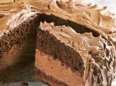 Receita de Bolo mousse - bolo: corte o bolo ao meio, e umedeça com leite. coloque metade do recheio, ponha a outra parte do bolo. umedeça cubra com o resto do recheio,...
