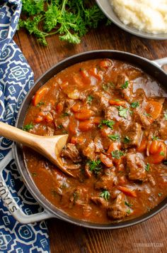 This Low Syn Braised Beef is pure comfort in a bowl and one of my favorite casserole dishes. perfect fall and winter food. Pot Roast Recipes, Pork Recipes, Cooking Recipes, Healthy Recipes, Healthy Foods, Recipies, Slimming World Beef, Slimming World Recipes Syn Free, Slimming Workd
