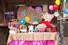 Girly Rodeo Party with Lots of Really Cute Ideas via Kara's Party Ideas | KarasPartyIdeas.com #CowgirlParty #WesternParty #PartyIdeas #Supplies (23) Country Birthday Party, Cowgirl Birthday, Farm Birthday, Farm Party, 6th Birthday Parties, Birthday Table, Birthday Ideas, Rodeo Party, Cowgirl Party