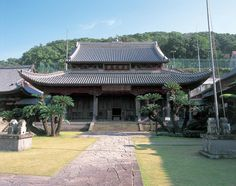 Temple Street (Tera-machi) and Kofuku-ji Temple