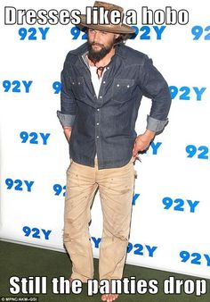 Free spirit: Jason Momoa, went barefoot while arriving at An Evening with Jason Momoa and Thelma Adams in New York on Tuesday, which also included a screening of his directorial debut Road To Paloma Jason Momoa Lisa Bonet, Jason Momoa Aquaman, Going Barefoot, Black Actresses, Hottest Male Celebrities, Male Feet, Big Men, Gorgeous Men, Dc Comics