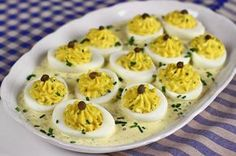 Switch up a party staple with offerings of Basil Deviled Eggs. Egg Recipes, Appetizer Recipes, Cooking Recipes, Easter Appetizers, Vegetarian Appetizers, Savory Snacks, Lunch Recipes, Zucchini, Cooking